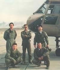 Pham with CH-46 crew, Kuwait